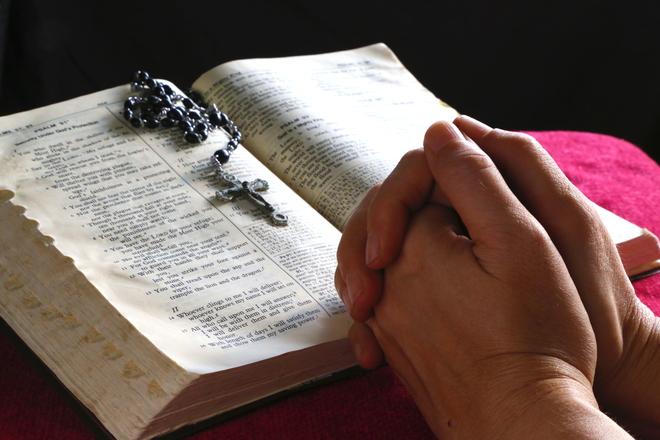 praying-hands-1411895